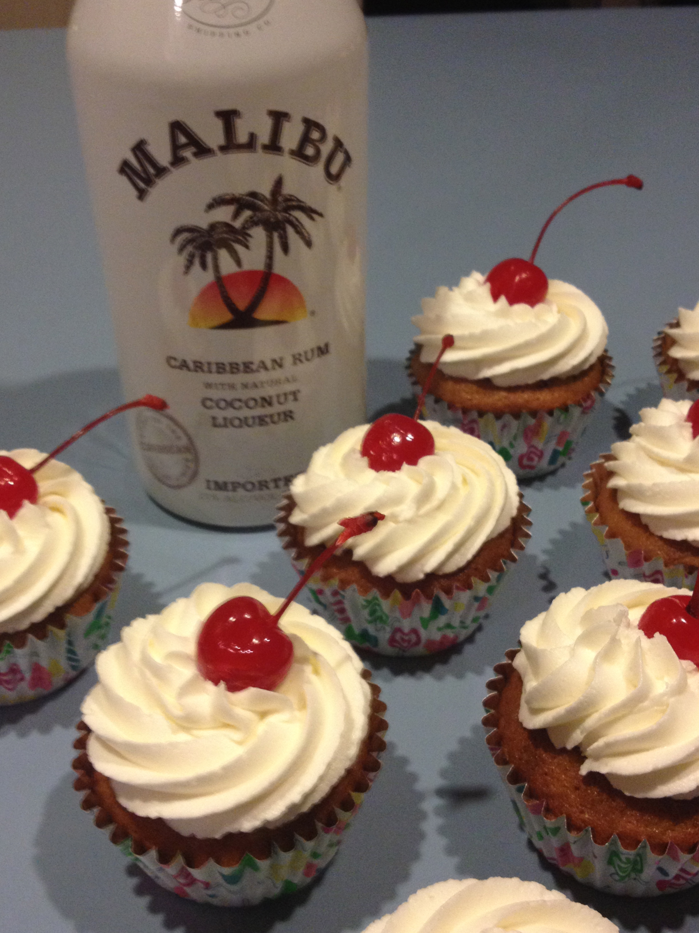 Pina Colada Cupcakes with Malibu Rum Frosting | buicupcakes