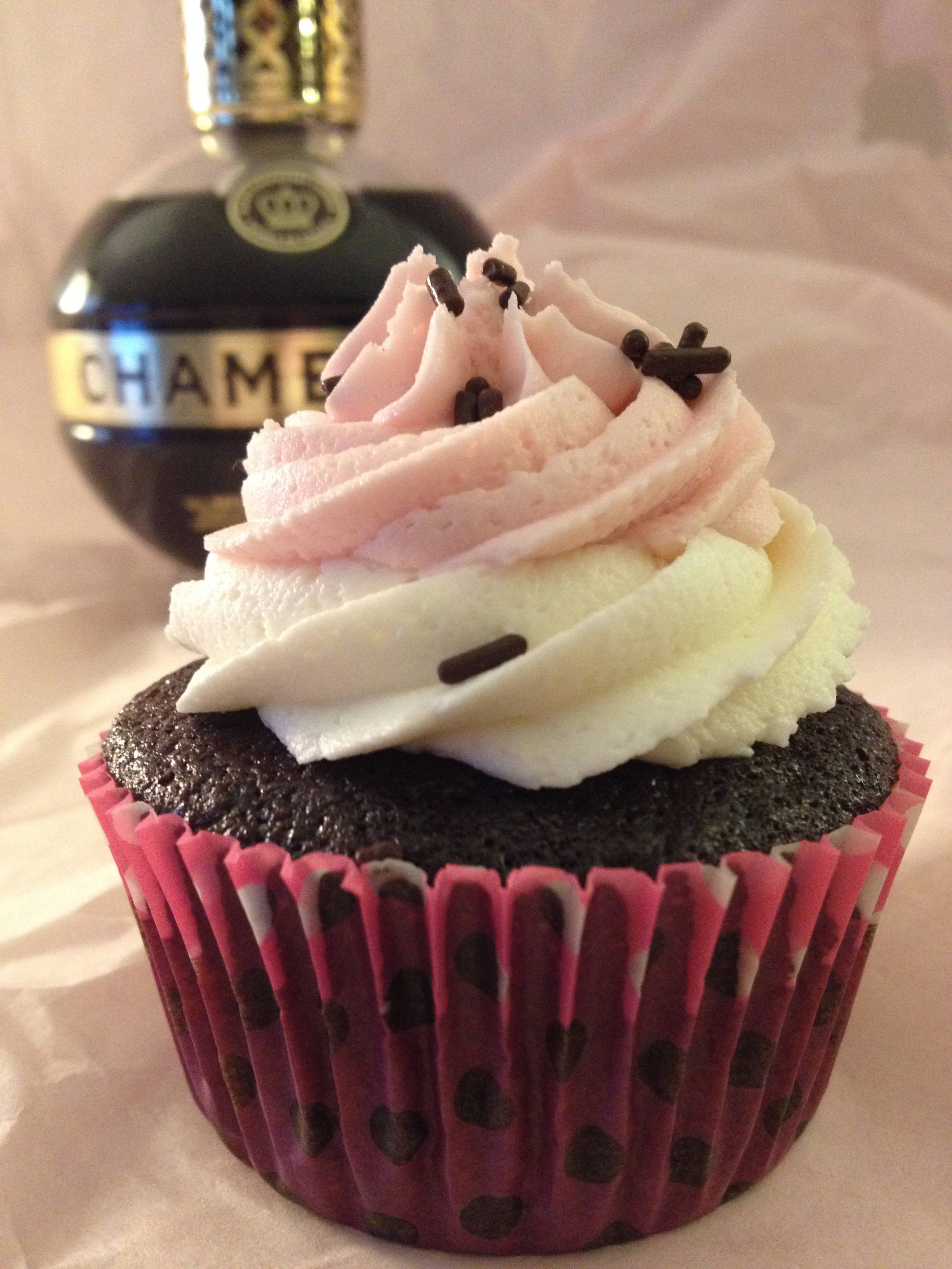 Chocolate Neapolitan Cupcakes with Chambord Raspberry Buttercream ...